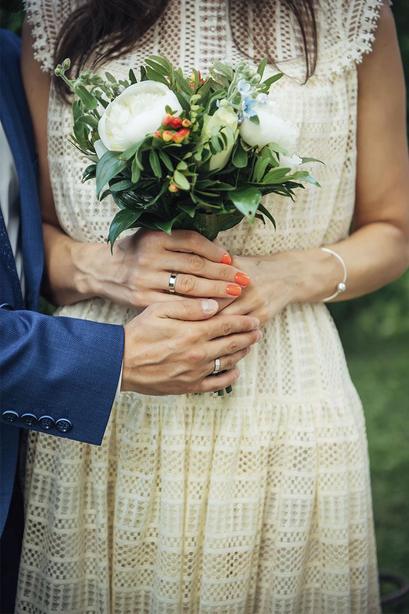 Consejos para elegir las alianzas de boda: el material