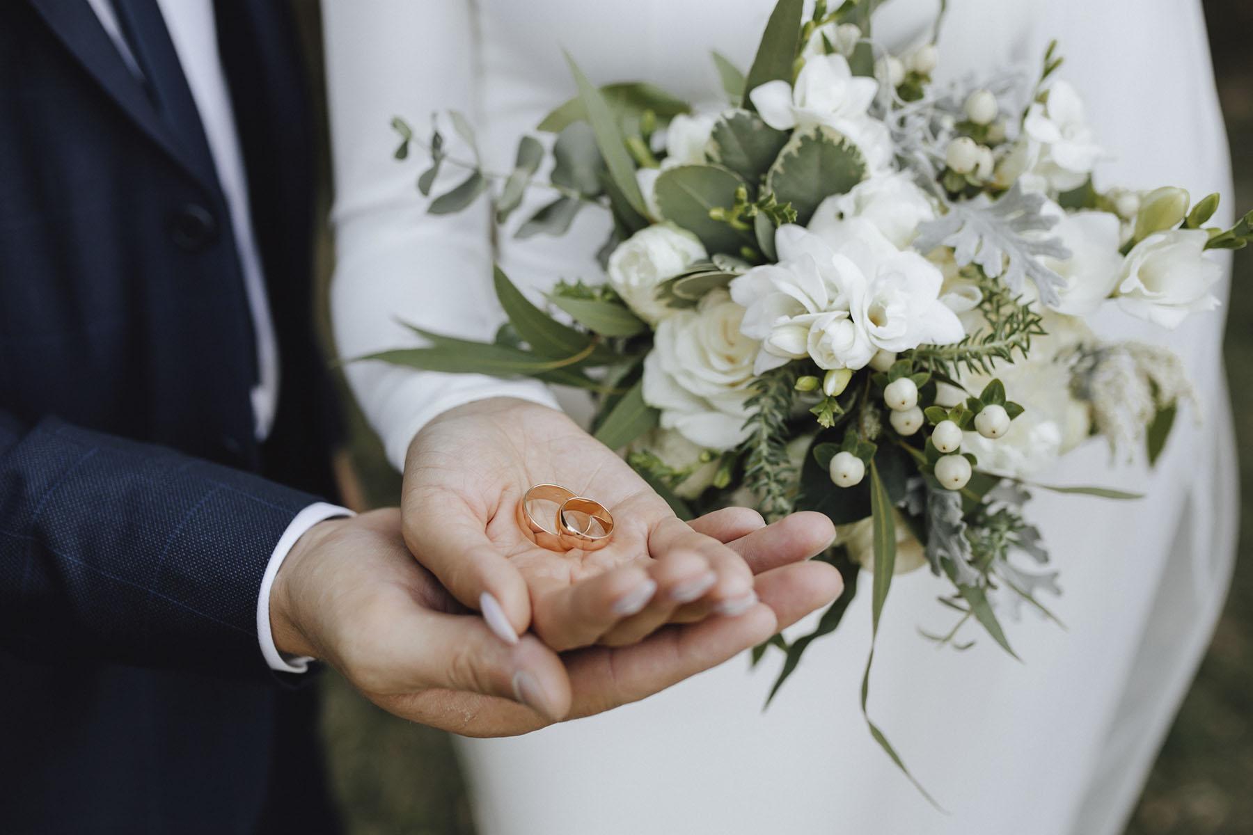 Consejos para elegir vuestras alianzas de boda: el diseño
