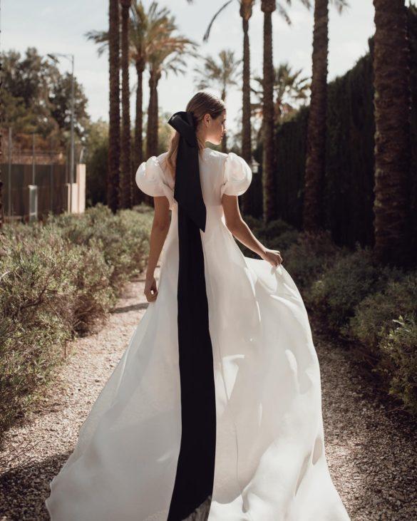 Vestido de novia corte en A de Antonio García Estudio