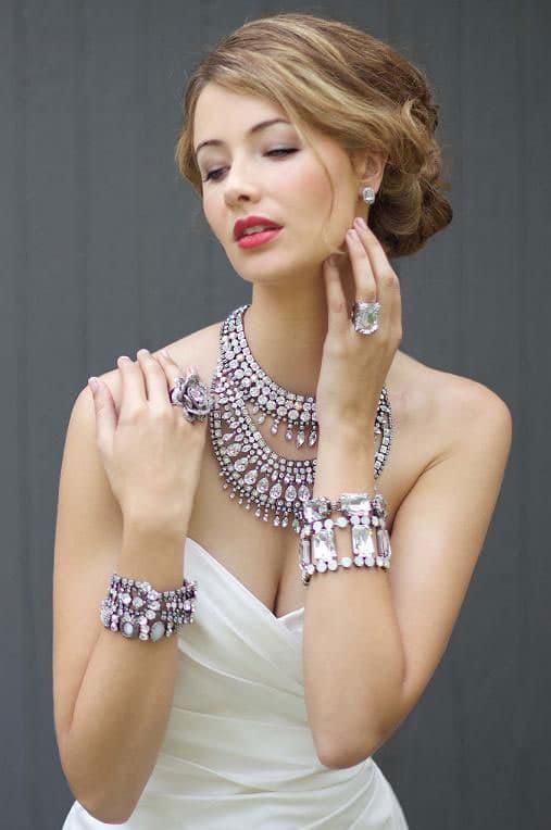 las joyas un complemento brillante para la novia