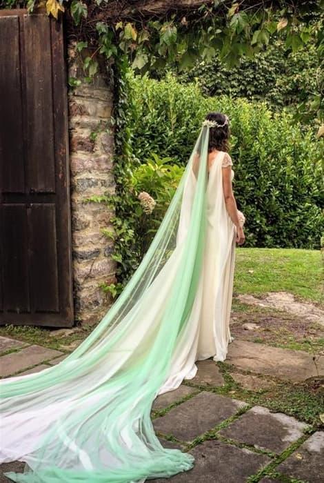 Velo de novia en color verde