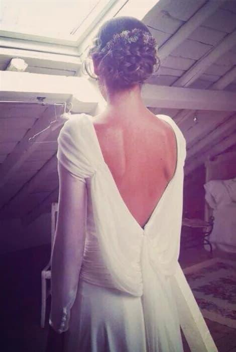 Detalle de espalda de un vestido de novia de Isabel Núñez