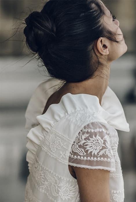 Laure de Sagazan, detalle espalda vestido de novia