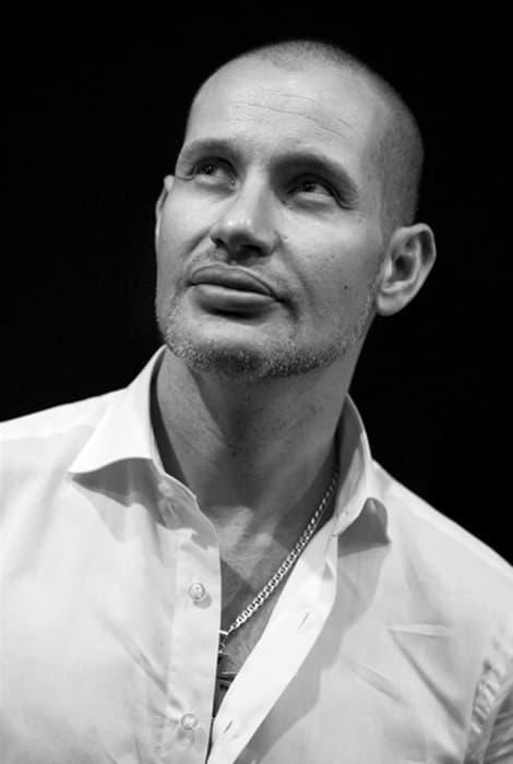 Foto del diseñador Rafael Urquizar