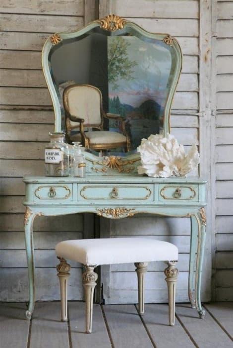 Cómoda con espejo, un rincón de belleza en tu boda