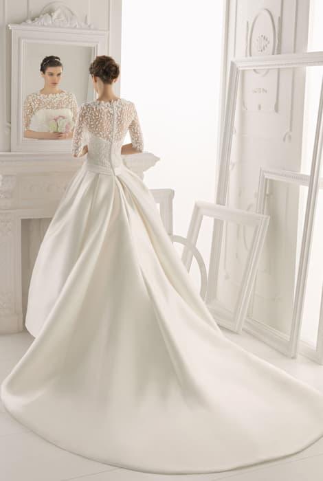 vestido de novia con cola desmontable