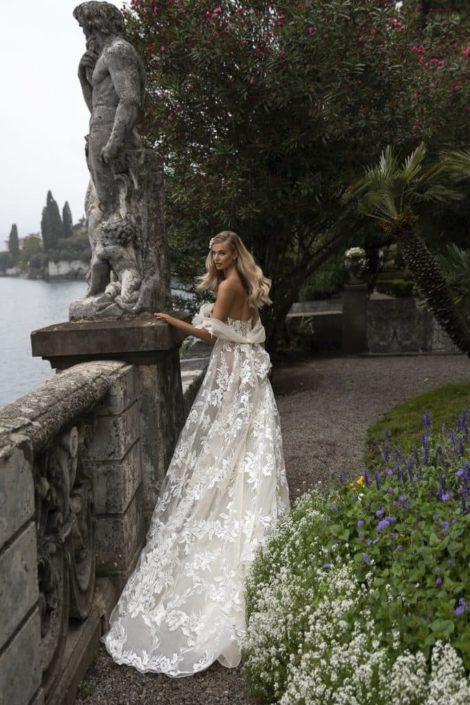 Vestido de novia Julie Vino 2021 hombros caídos