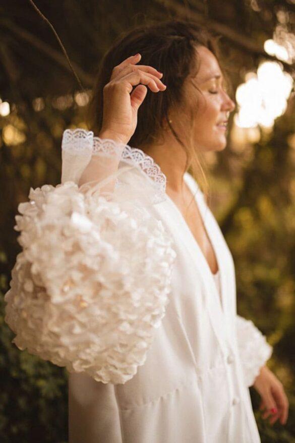 Bata de novia personalizada de Soraya Cabral