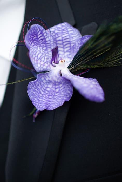 El prendido del novio, detalle floral