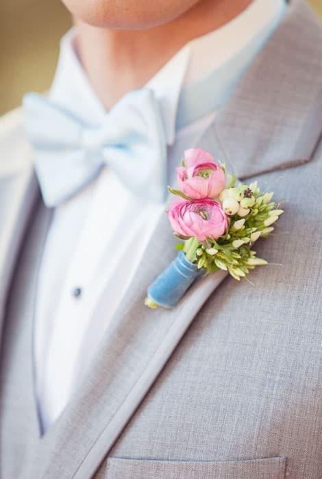 El prendido del novio, ramillete floral