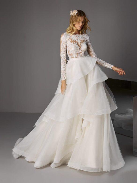 Vestido dos piezas para novia Pronovias 2021