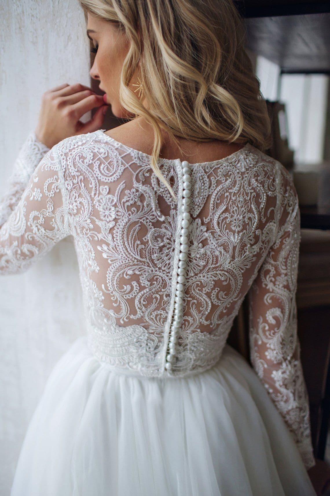Vestido de novia de manga larga con encaje de Mila Bridal