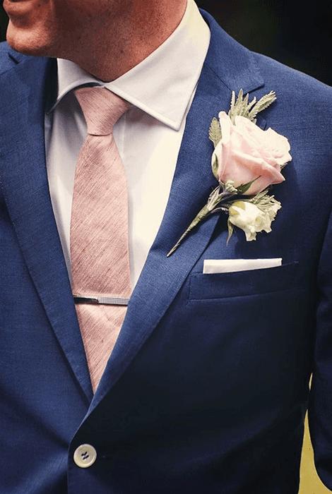 El Traje del novio, los complementos