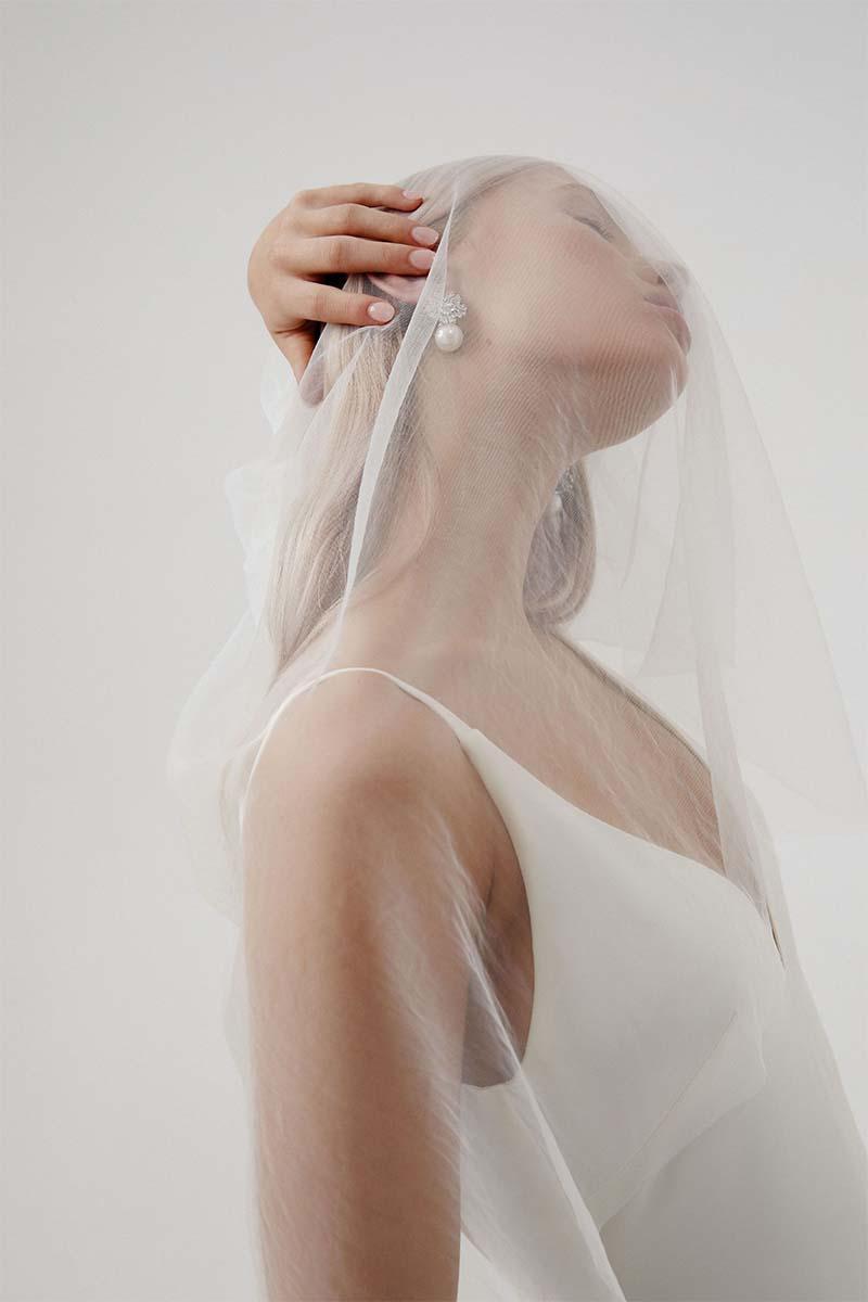 Pendientes con perlas para novia de la firma Amelie George