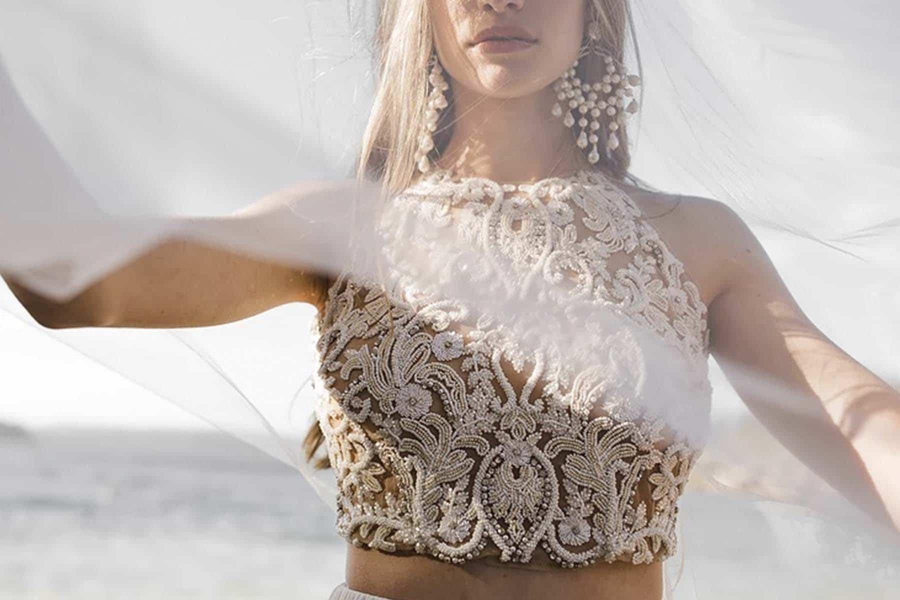 Pendientes con perlas para novia de tamaño XXL de la firma Maison Roe