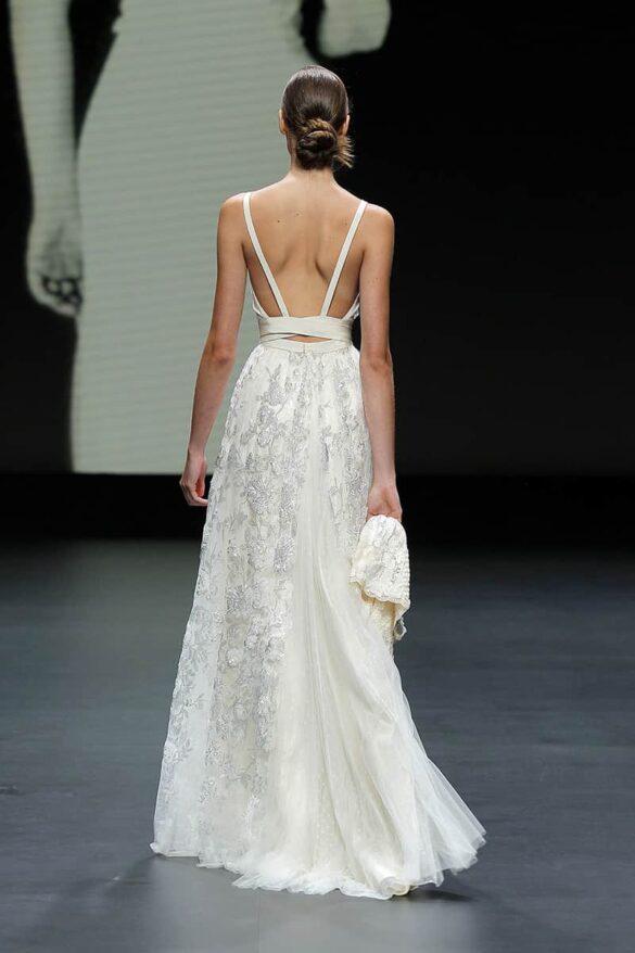 Vestido de novia de Poesie Sposa colección 2021