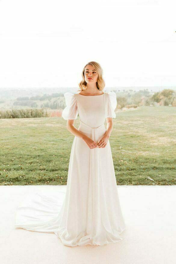 Vestido de novia de Victoria Imaz, colección Minimal 2021