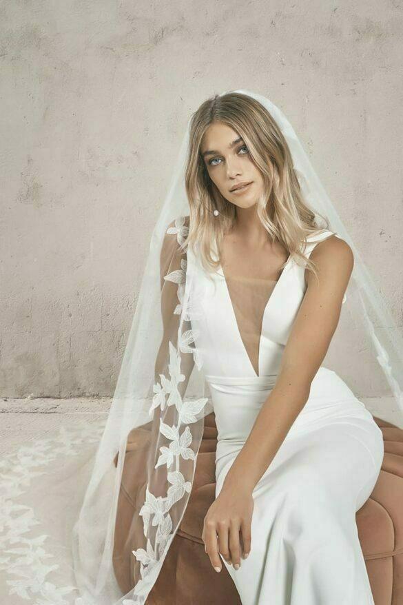 Vestido de novia de Vagabond Bridal colección 2021 CREPÉ